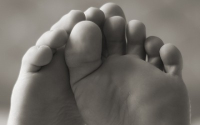 18 Things Your Feet Say About Your Health